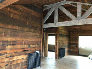 Tiger Lodge Building With Frames Living room Wood