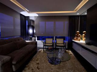 Marcelo John Arquitetura e Interiores Salas de estilo moderno Tablero DM Gris