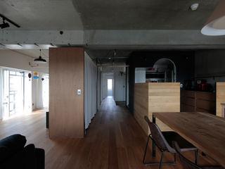 ニュートラル建築設計事務所 Living room Wood Black