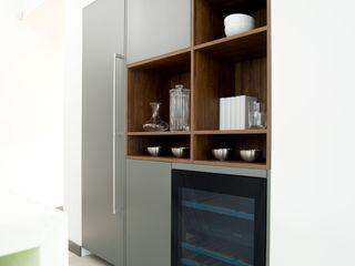 Pedini Arke Iron Grey & Elm Urban Myth 現代廚房設計點子、靈感&圖片 Grey