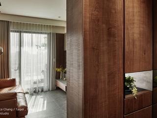 入口玄關 / Entrance SECONDstudio 現代風玄關、走廊與階梯 實木 Wood effect