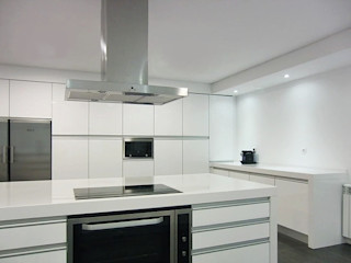 Grupo KORIVAR Dapur Modern Chipboard White