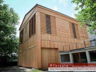 Thisalo GmbH Edificios de oficinas de estilo clásico