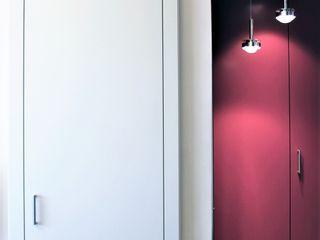 RISTRUTTURAZIONE MONOLOCALE 30 mq – Periferia Nord di Milano HBstudio Porte in legno Legno Bianco