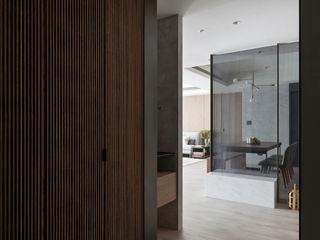 簡‧形體 橙羿設計有限公司 現代風玄關、走廊與階梯