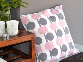 Sfeerfoto Grijs-roze-bollen ilsephilips WoonkamerAccessoires & decoratie