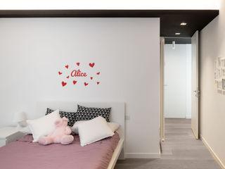 La camera della ragazza homify Camera da letto moderna Legno Bianco