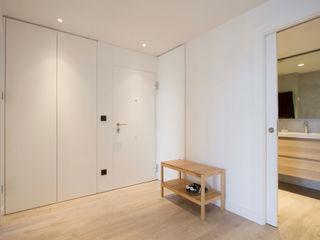 Bocetto Interiorismo y Construcción Pasillos, vestíbulos y escaleras de estilo escandinavo