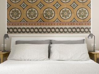 Camera | Testiera letto graniglie fine '800 02A Studio Camera da letto eclettica Marmo Bianco