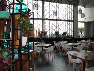 MONTAUDON INTERIORISMO Balcone, Veranda & Terrazza in stile moderno Turchese