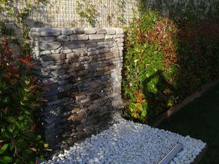 homify Zen garden Stone Grey