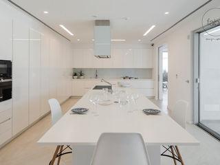 FABRI Built-in kitchens White