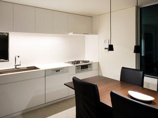白坂 悟デザイン事務所 KitchenBench tops Plywood White