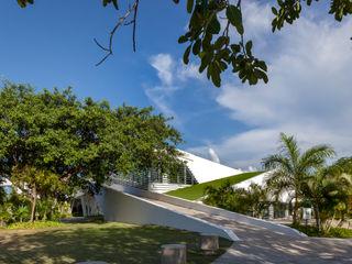 Daniel Cota Arquitectura   Despacho de arquitectos   Cancún Interior landscaping Concrete White