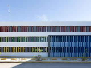 Daniel Cota Arquitectura   Despacho de arquitectos   Cancún Modern Study Room and Home Office Concrete Multicolored
