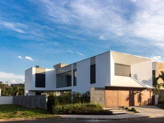 ZAAV Arquitetura Casas de estilo minimalista