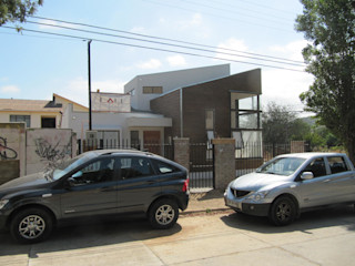 CASA RETIRO Lau Arquitectos Casas estilo moderno: ideas, arquitectura e imágenes
