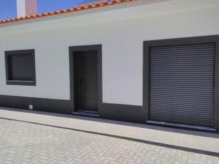 Janelas, Porta e Estores MEGAFIL - INDÚSTRIA DE CAIXILHARIA, LDA Moradias