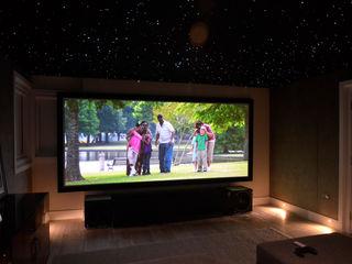 Cinemascope Dolby Atmos 7.4.2 Home Cinema HiFi Cinema Ltd. Moderner Multimedia-Raum