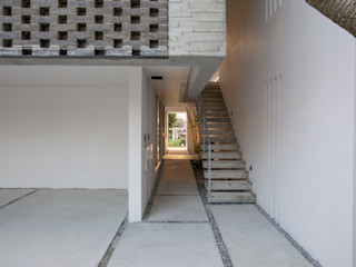 株式会社クレールアーキラボ Eklektyczny garaż