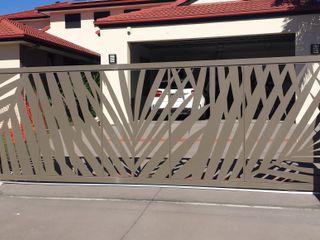 NATUREL METAL FERFORJE Puertas correderas Metal Gris