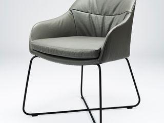 Stuhl CASPAR designed by Sven Dogs for WON Design sven dogs WohnzimmerHocker und Stühle Leder Grau