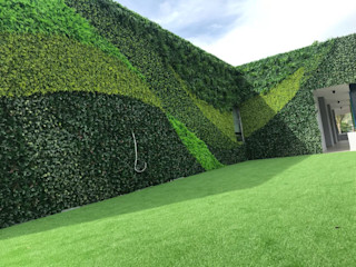 Guatemala Client's Artificial vertical garden project with SUNWING artificial hedges Sunwing Industries Ltd Commercial Spaces Plastic Green