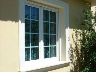 Renovación de puertas y ventanas de PVC en vivienda de Ogíjares, Granada Metalistería Ballesteros SL Ventanas de PVC Blanco