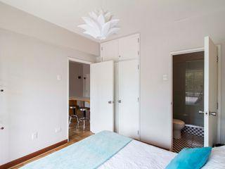 Crescente Böhme Arquitectos Modern style bedroom Concrete White
