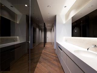Design Tomorrow INC. Closets de estilo moderno