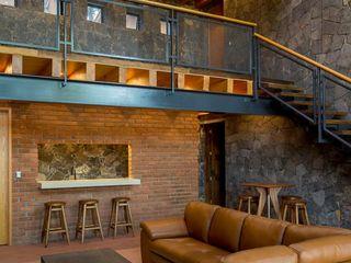 Taller de Arquitectura Bioclimática +3d Гостиная в рустикальном стиле