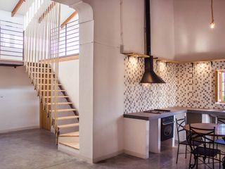 Rehabilitación de una casa típica de la huerta mediterránea Francisco Pomares Arquitecto / Architect Cocinas de estilo rural