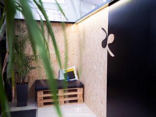 Centro deportivo de entrenamiento personal Francisco Pomares Arquitecto / Architect Clínicas de estilo minimalista