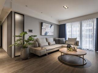 原木質感 英式色調 人文氣韻現代宅 合觀設計 现代客厅設計點子、靈感 & 圖片