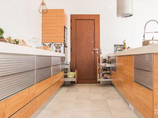 Moderestilo - Cozinhas e equipamentos Lda Kitchen units Wood effect