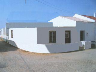 Rodrigo Roquette Вбудовані кухні Камінь Білий