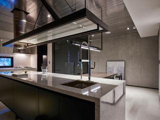 Linear Space 沈志忠聯合設計 現代廚房設計點子、靈感&圖片