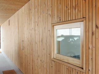 Banema S.A. Finestre in legno Legno Effetto legno