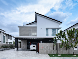 LUXURIOUS HOME inDfinity Design (M) SDN BHD Modern houses