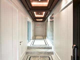 LUXURIOUS HOME inDfinity Design (M) SDN BHD Modern corridor, hallway & stairs