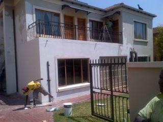 Kgodisho Solutions and Projects Casas de estilo clásico