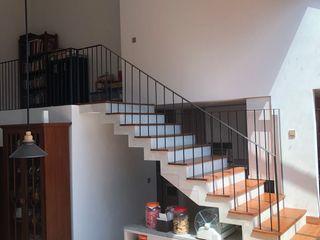 SAE Studio (PT. Shiva Ardhyanesha Estetika) Modern Terrace
