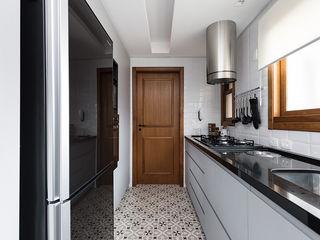 Rabisco Arquitetura Armários de cozinha Preto