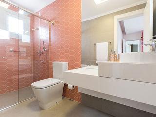 Suite Menina Rabisco Arquitetura Banheiros modernos Concreto Rosa