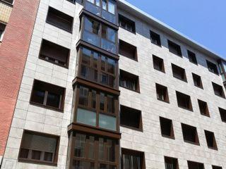 Fachada Cerámica Saloni Casas de estilo moderno Cerámico Beige