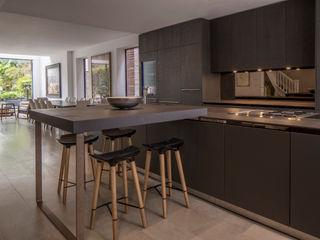 Antrim Grove: North West London Roselind Wilson Design Modern style kitchen