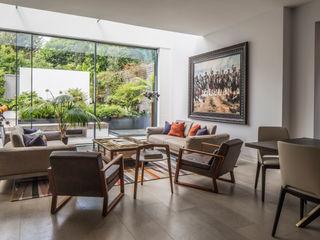 Antrim Grove: North West London Roselind Wilson Design Living room