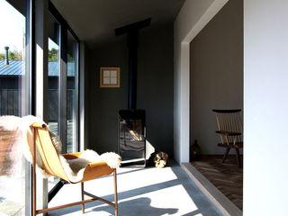 NASU CLUB Rustic style conservatory Concrete Grey