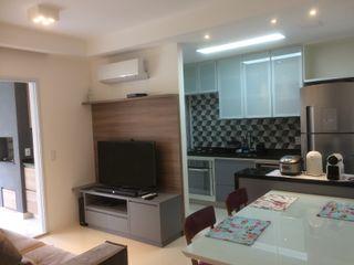 Apartamento Jabaquara 3JP Engenharia Salas de estar modernas Madeira Multi colorido