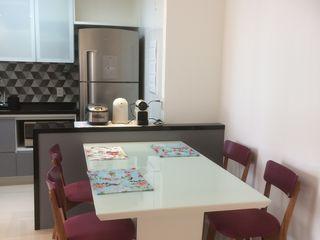 Apartamento Jabaquara 3JP Engenharia Salas de jantar modernas Madeira Multi colorido
